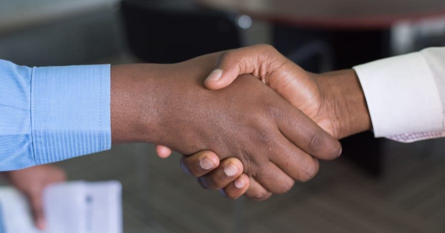 Evolution rozšiřuje partnerství se společností Entain ve Velké Británii
